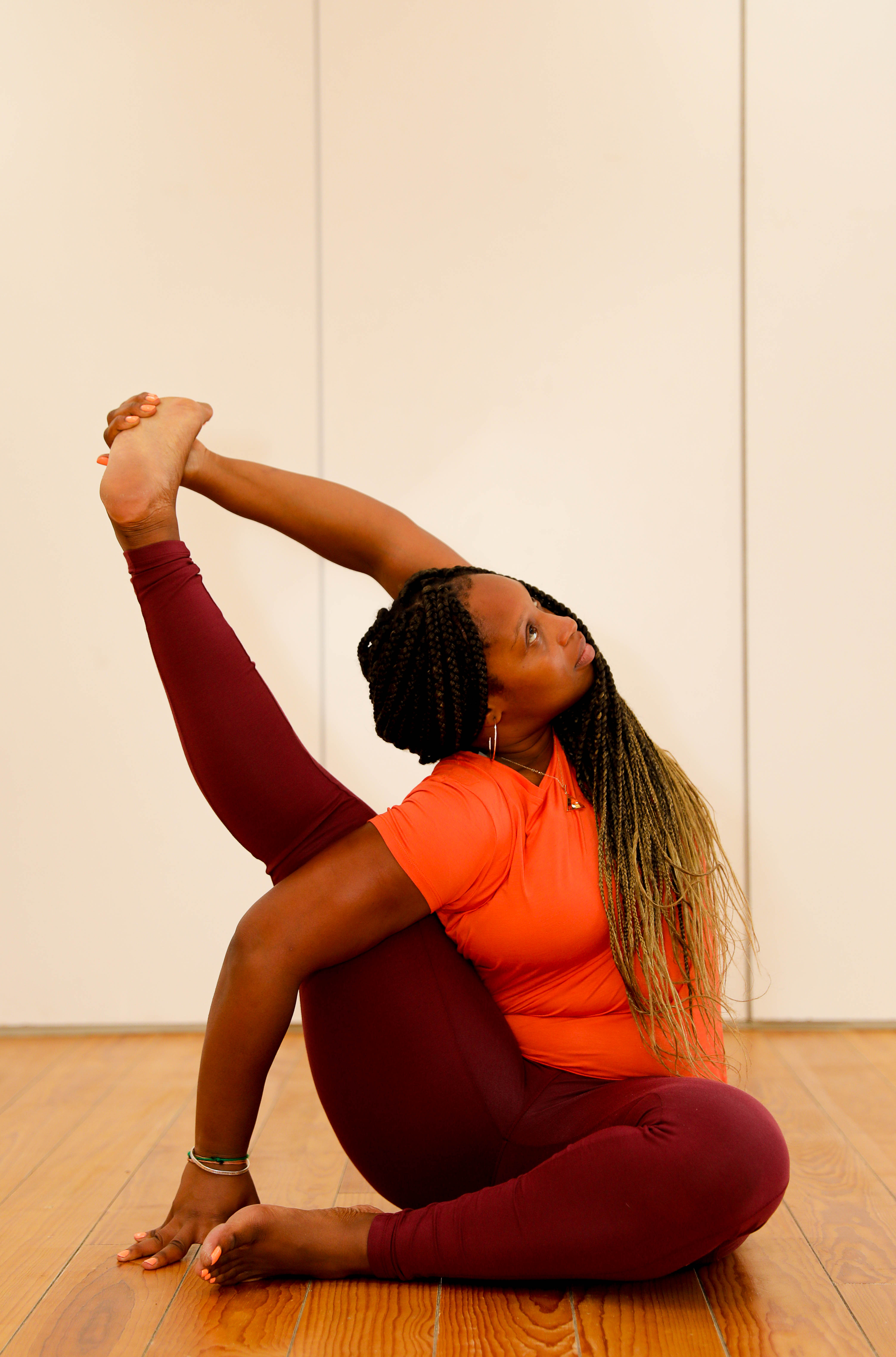 Yoga teacher Jonelle Lewis wears Asquith plus size yoga clothes